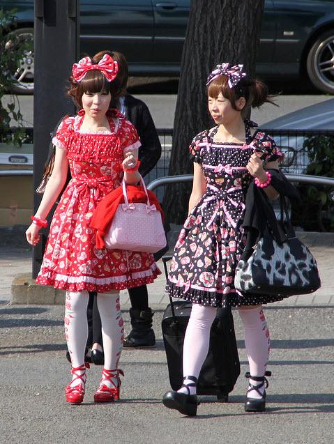 Extreme Colorful Harajuku Fashion Style_2
