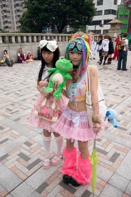Extreme Colorful Harajuku Fashion Style_5