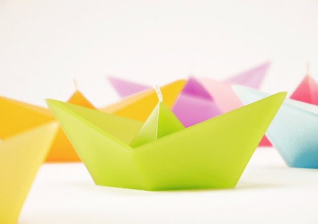 Colorful Candles in Shape of Folded Paper Boat_5
