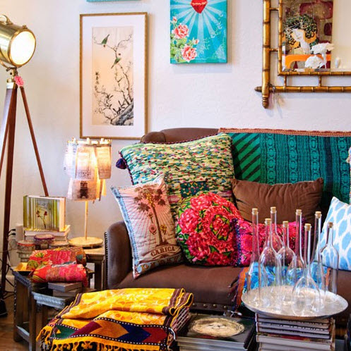 20 Vibrant Decorating Ideas for Living Rooms_9