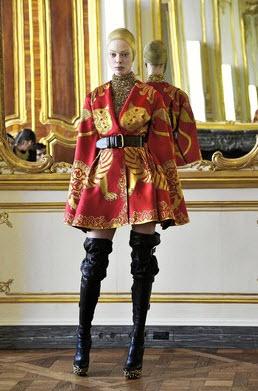 Best Alexander McQueen Multi-colored Dresses_13