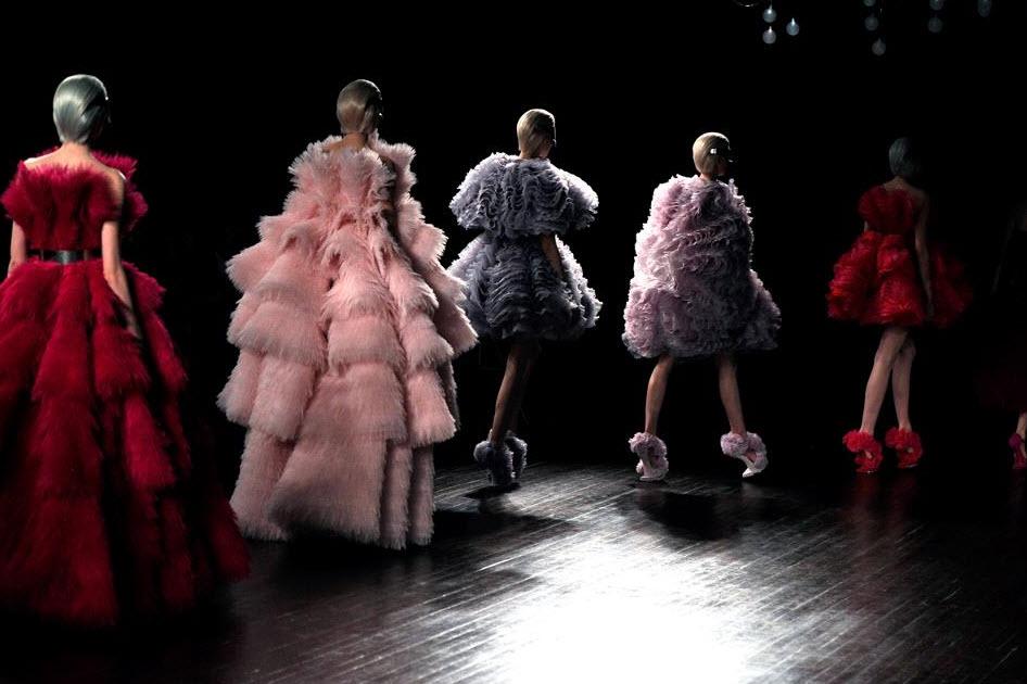 Best Alexander McQueen Multi-colored Dresses_7