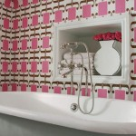 Bathroom Decorating Ideas with Beautiful Wall Arts_3