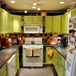 Bright Small Kitchen Remodel Ideas_18
