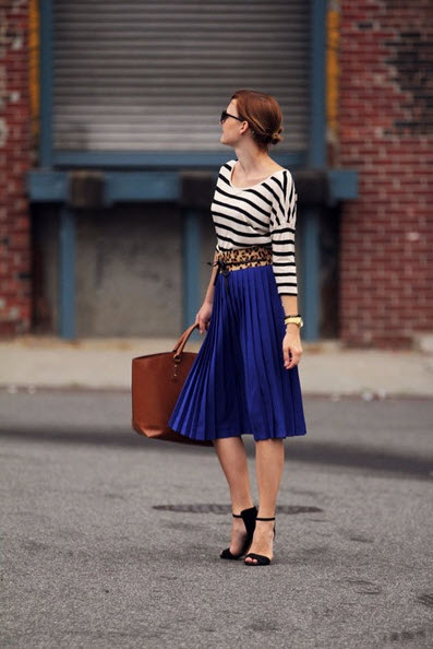 How to Wear Pleated Skirt