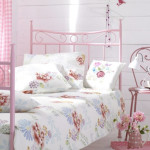 17 Simple and Colorful Design Ideas for Decorating Teenage Girls Bedrooms_5