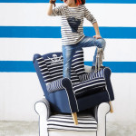 Pirate Navy Blue Armchair for Your Blue and White Living room_1