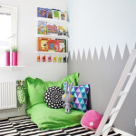 Colorful Reading Nooks for Book Lovers_11