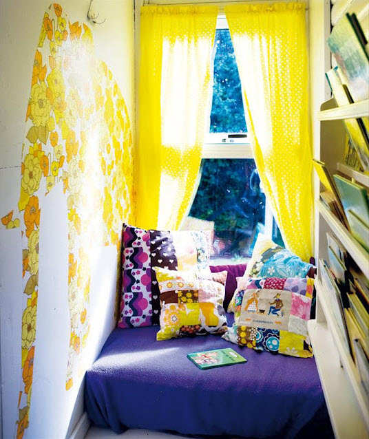 Colorful Reading Nooks for Book Lovers_21