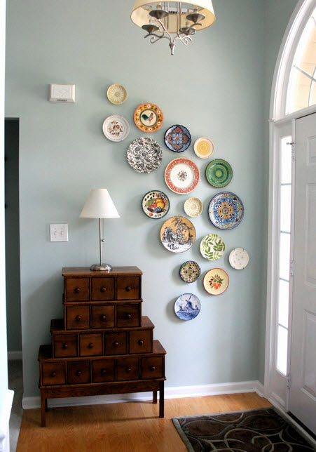 Colorful Dinner Plate Wall Arrangements