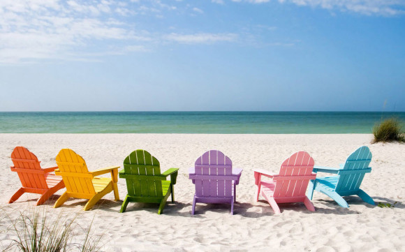 Adirondack Chairs for Your Outdoor Beach themed Spaces