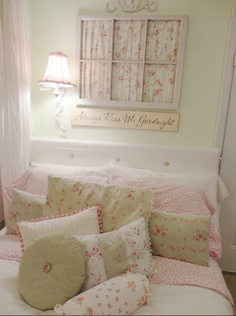 Bedroom with Shabby-Chic Style_7