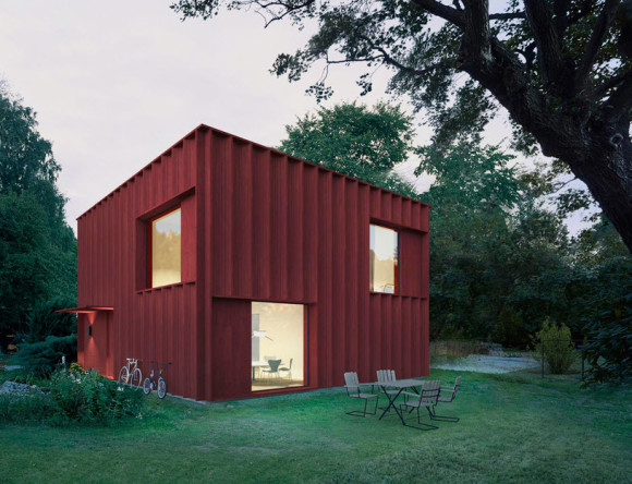 Cubical Cottage with Red Exterior Color_1