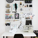 Practical, Creative, Decorative Pegboard Ideas for Workspace_2