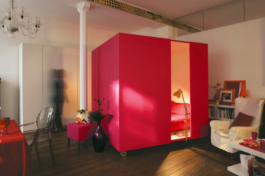 Mobile bed cube for a studio apartment at in seven for Beds for studio apartments