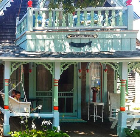 Nautical Cottage Decor Idea with Soft Blue Color_9